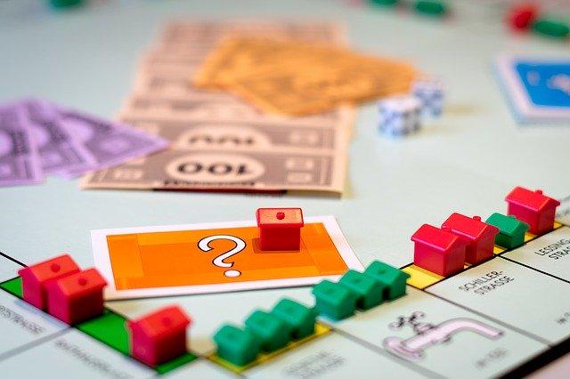 Gra nieruchomości
